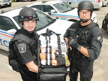 w_-_Paramedics_and_Police_-_jul2_-_sh___