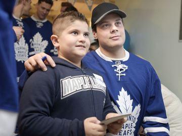 Leafs bring cheer to SickKids