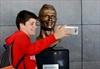 Odd-looking Ronaldo bust steals the show at airport ceremony-Image1