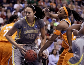 WNBA players Griner, Johnson engaged-Image1