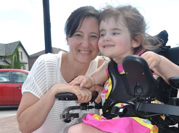Campaign to help Collingwood girl with spinal chord injury get stem cell treatment