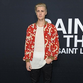 Justin Bieber planning mash-up at Grammy Awards-Image1