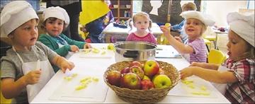 Enjoying fall at Stittsville Cooperative Nursery School– Image 1