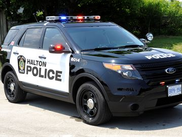 Police pursuit in car, on foot leads to charges against Burlington man