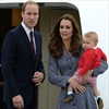 Britain's Prince George meeting baby sister-Image1