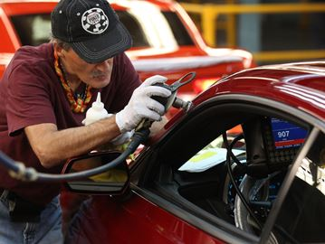GM plants support 33,000 jobs, union says