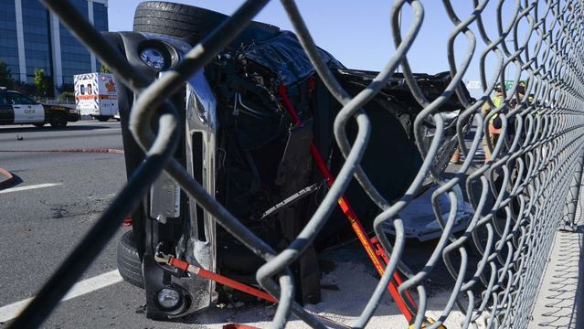 Calgary woman dies in three-vehicle crash in Burlington