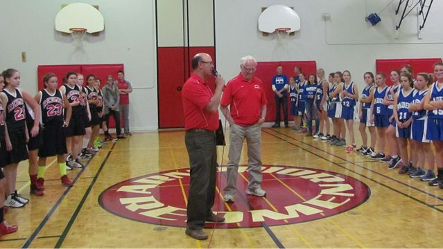 Richard Holmes honoured for his hoop contributions– Image 1