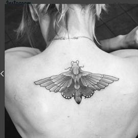 Kaley Cuoco has wedding tattoo covered up-Image1