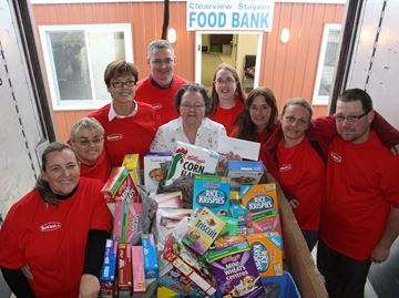 Reinhart's helps out food bank