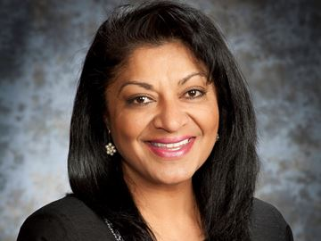 Oakville's Alka Sahai named one of Canada's Outstanding Principals for 2015