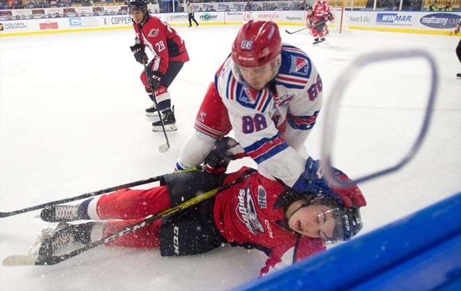 Rangers remain perfect at home