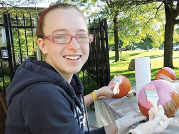 Great pumpkin fundraiser hits home for Midland teenager