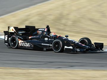 Oakville's Hinchcliffe feeling 'very grown up' as finds new home for fifth IndyCar season