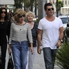 Simon Cowell 'doing well' in wake of mother's death-Image1