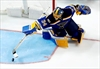 Schwartz has 2 goals, Blues get 10th straight win vs Coyotes-Image1