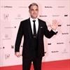 Robbie Williams' dad proud of pregnancy videos-Image1