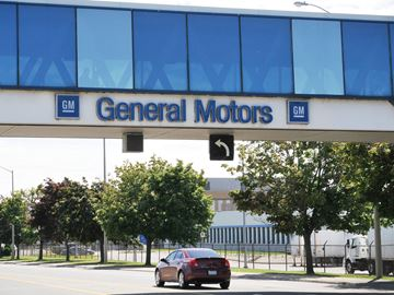 Oshawa general motors plant closure would lead to tens of for General motors it jobs