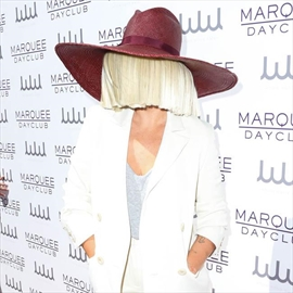 Sia hates being famous-Image1