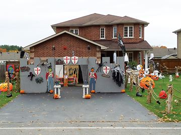 Penetanguishene family's spooky fantasyland to raise funds for charity