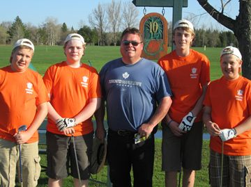Magnet Sign team Jake Lalonde, Mathew Johnson, Jacob Linzner and Josh Linzner with coach Len Johnson.