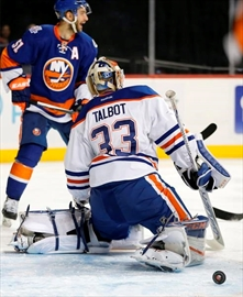 Okposo's hat trick lifts Islanders to 8-1 rout of Oilers-Image8
