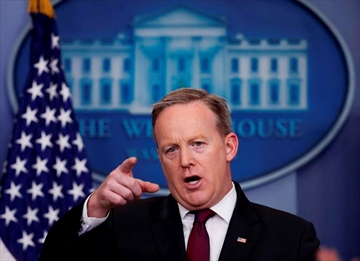 Spicer laughs off notion of Great Wall North-Image1