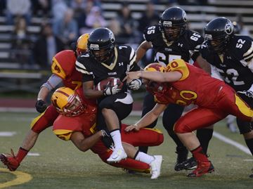 Holy Trinity dominates Nelson in Halton senior football season opener