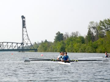 South Niagara Rowing Club hosts Team Canada