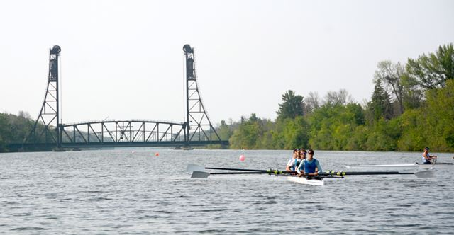 South Niagara Rowing Club hosts Team Canada