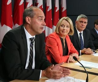 Harper deflects StatsCan recession report-Image1