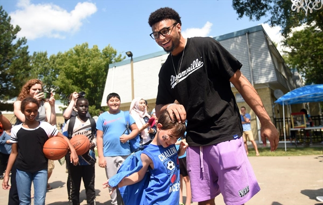 NBA star Jamal Murray helps open new Waterloo basketball court