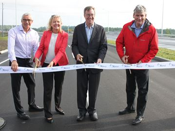 Business owners applaud opening of Hunt Club interchange