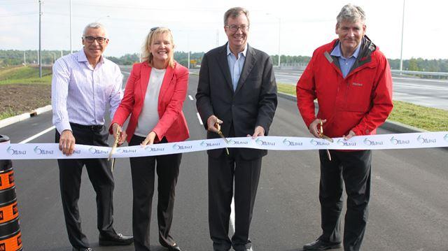 Business owners applaud opening of Hunt Club interchange