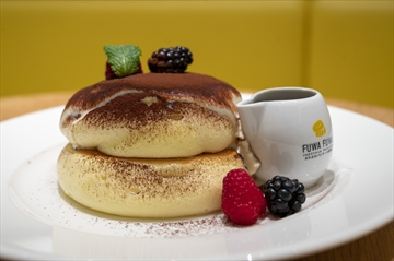 Fuwa Fuwa has opened a new location in Square One Shopping Centre. Fuwa Fuwa is known for its 'all-fluff-no-buff,' light-as-air Japanese soufflé pancakes, including the Fuwa Fuwa Tiramisu Pancake.