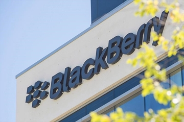 BlackBerry fans bemoan end to Canadian-made devices-Image1