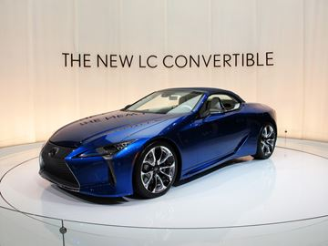 The 2021 Lexus LC 500 Convertible had its global debut at the Los Angeles Auto Show. Limited to just 10 units in Canada will be the LC 500 Convertible Inspiration Series (shown) in Structural Blue with white semi-aniline leather interior trim and unique blue top