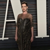 Anne Hathaway accidentally pulled off umbilical cord-Image1