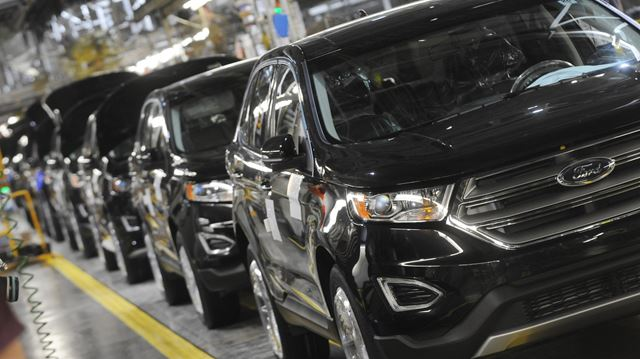 Ford Edge rolls off assembly line