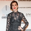 Anne Hathaway embarrassed by late party arrival-Image1
