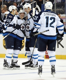 Hutchinson's 40 saves propels Jets over Rangers-Image1