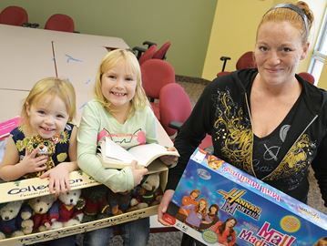 Generosity meets gratitude at 'Gifts to Give' in Midland