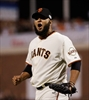 Giants surge past Royals 11-4 to tie Series 2-all-Image1