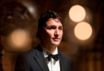 Trudeau apologizes for English-only answers-Image1