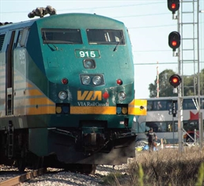 Stopping at rail crossing less safe: study; City looking to install ne– Image 1