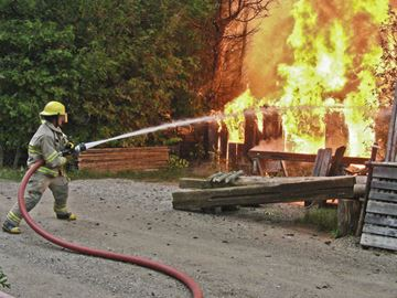 Fire destroys Craigleith workshop