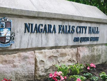 Council field widens in Niagara Falls