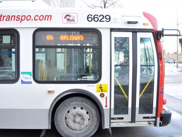 OC Transpo top brass cautiously optimistic about uptick in ridership