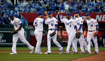 Royals rally, beat Astros 5-4 to even ALDS at 1 game each-Image1