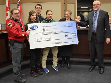 Penetanguishene scouts get donation for Japan trip